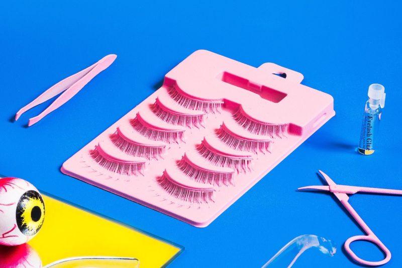 tray of false lashes